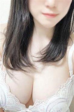 ひなた 淫乱痴女倶楽部~Chocolat~で評判の女の子