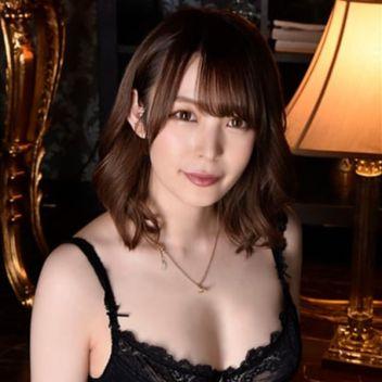 みお | 長身・巨乳専門モデル倶楽部ROYAL - 新宿・歌舞伎町風俗