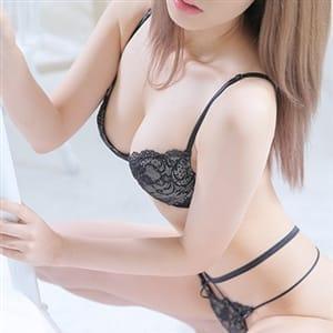 ひなこ【夏を彩る極上美肌スレンダー美女】