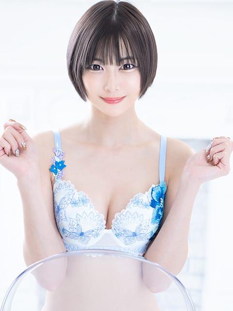 みよ【スレンダーEカップ美女】
