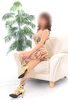 久美|アルハンブラで評判の女の子