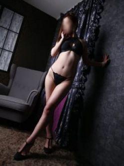 綾瀬|痴女の館でおすすめの女の子