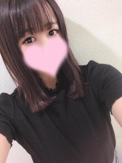 ちなつ【未経験18才★女子大生】
