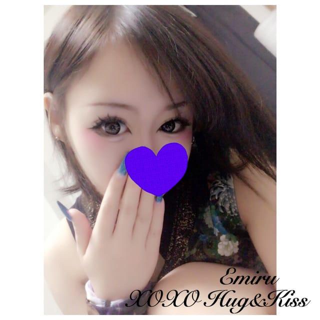 「出勤♡」11/14(11/14) 18:40 | Emiru エミルの写メ・風俗動画