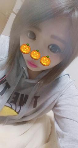 「こんばんわぁ」11/18(11/18) 00:51 | ホノカの写メ・風俗動画