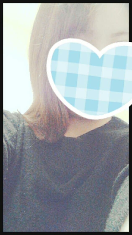 「こんばんは」11/21(11/21) 20:02 | らら先生の写メ・風俗動画