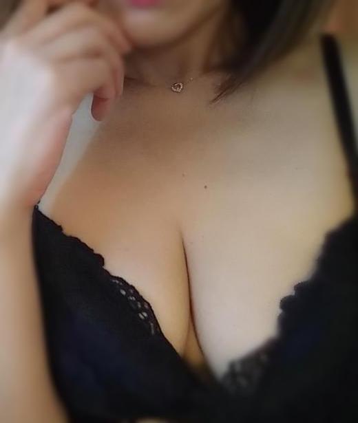 「出勤してます」01/12(01/12) 16:13 | れみの写メ・風俗動画