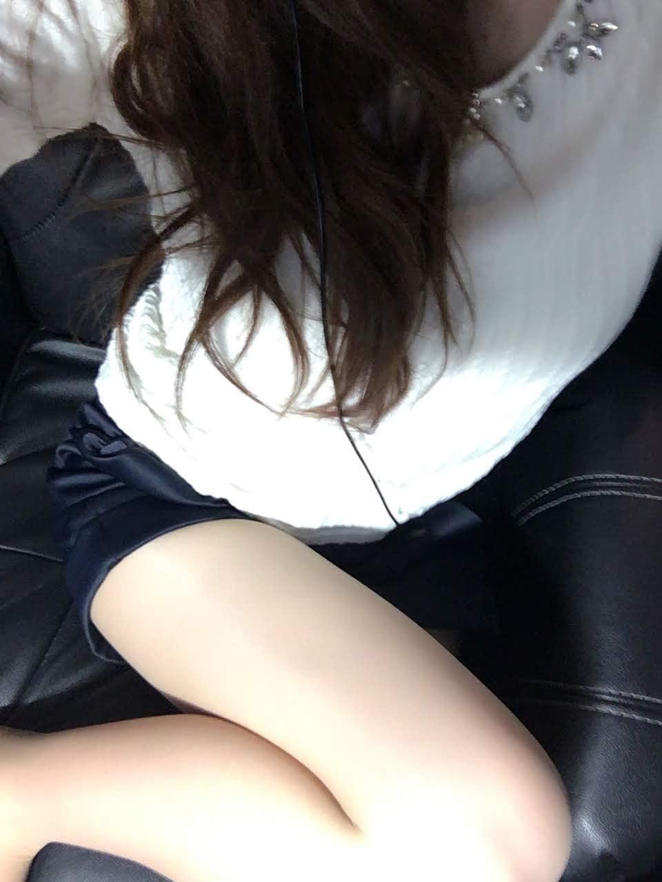 「こんにちは♪」04/17(04/17) 17:03 | 有村の写メ・風俗動画