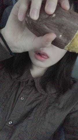 「やぶけた…」04/17(04/17) 18:40 | 苗芽【エメ】の写メ・風俗動画