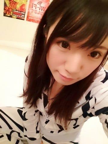 「おはようございます笑」01/19(01/19) 01:31   ゆり【美乳】の写メ・風俗動画