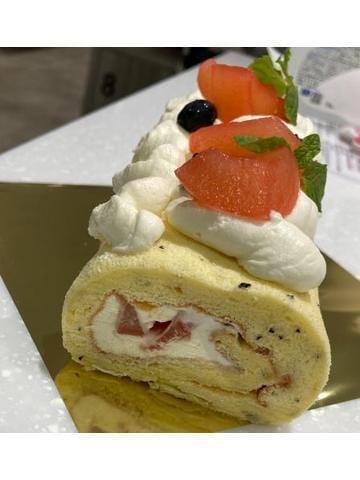 「お休み中につくった、ロールケーキ( ◜‿◝ )♡」10/15(金) 19:44 | うららの写メ日記