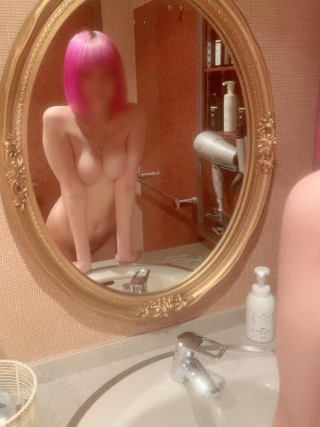 「鏡?」10/18(月) 18:39 | ルナの写メ日記