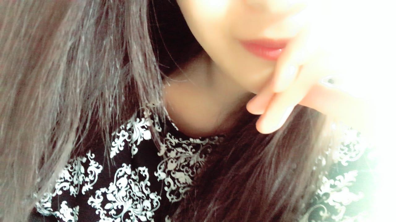 「こんにちわ」03/10(03/10) 13:34 | 中条れいかの写メ・風俗動画