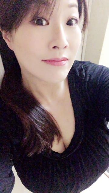 「暑いですね」03/14(03/14) 16:27 | 白鳥寿美礼の写メ・風俗動画