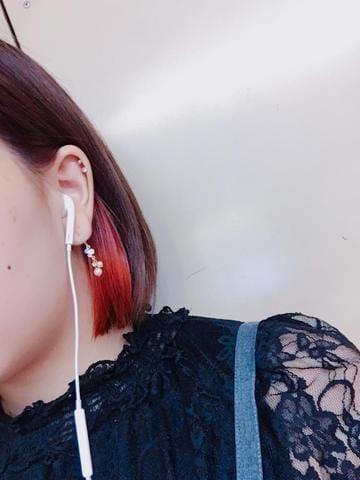 「待機中」03/18(03/18) 19:40 | 広瀬 真姫の写メ・風俗動画