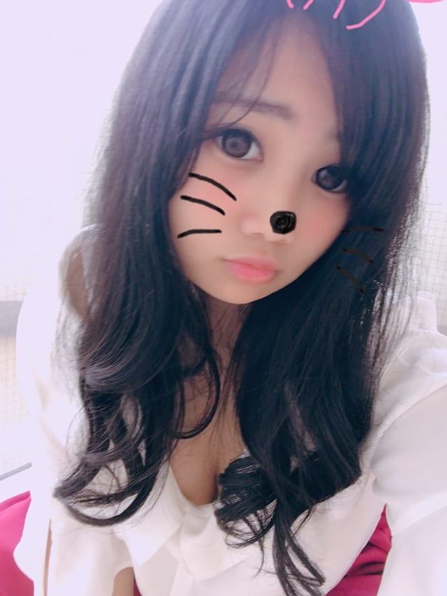 「やほやほー」04/14(04/14) 16:13 | さぽ(完全素人の18歳)の写メ・風俗動画