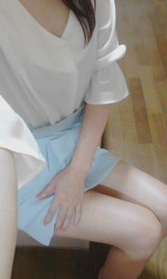 「お待ちしてます♪」04/22(04/22) 19:47 | りなの写メ・風俗動画