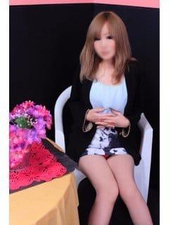 「こんにちは♡」04/28(04/28) 12:04 | ひなのの写メ・風俗動画
