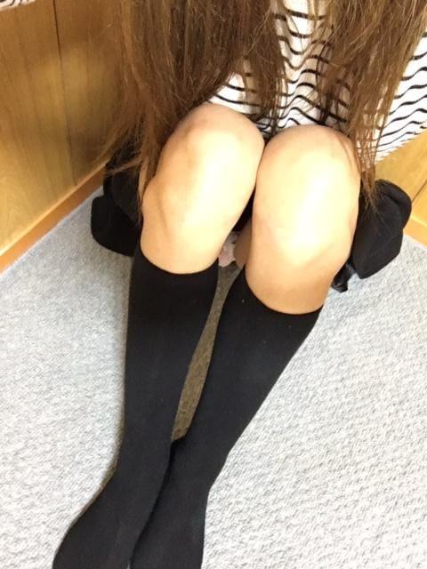 「雨ですね(つД`)ノ」05/23(05/23) 21:06   りお★オススメ★H度最高なモデル級美女♪の写メ・風俗動画
