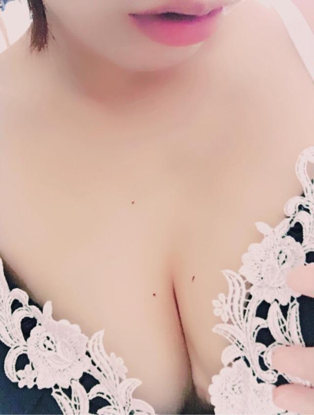 「んー。」05/24(05/24) 15:31 | じゅりの写メ・風俗動画