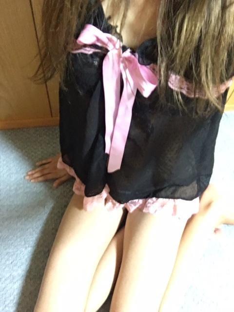 「出勤しました☆★」06/25(06/25) 21:18 | りお★オススメ★H度最高なモデル級美女♪の写メ・風俗動画