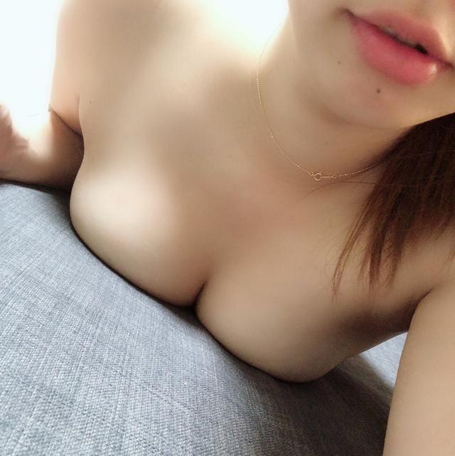 「出勤したよーヽ(´▽`)/」07/18(07/18) 15:41   柔らか美巨乳★るなの写メ・風俗動画