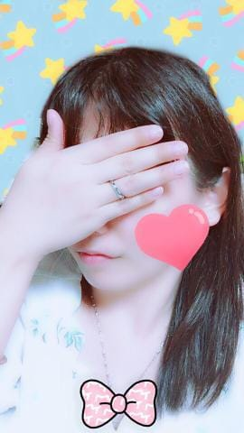 「この薬指の指輪のヒミツ」09/19(09/19) 21:30 | あきなの写メ・風俗動画
