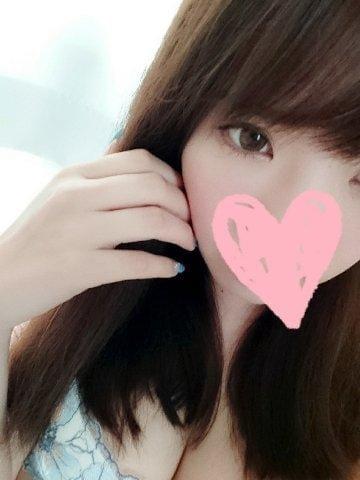 「おはよう♥️」09/21(09/21) 09:15 | ゆり【美乳】の写メ・風俗動画