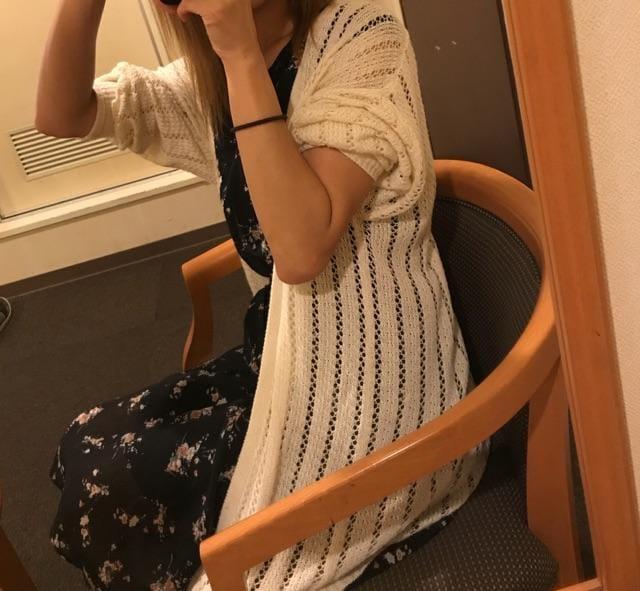 「着れない_φ(?_?」10/09(10/09) 23:12 | 夏目 水波(みなみ)の写メ・風俗動画