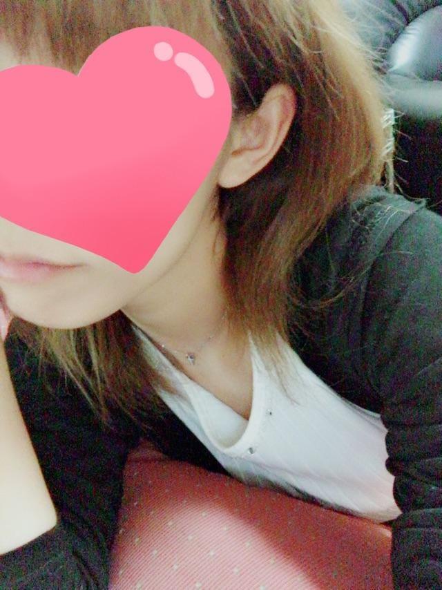 「おひるー?」10/10(10/10) 11:11 | 夏目 水波(みなみ)の写メ・風俗動画