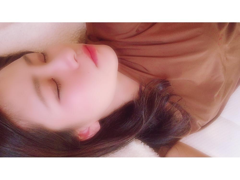 「出勤です♡」10/21(10/21) 16:24 | 高森 あずの写メ・風俗動画
