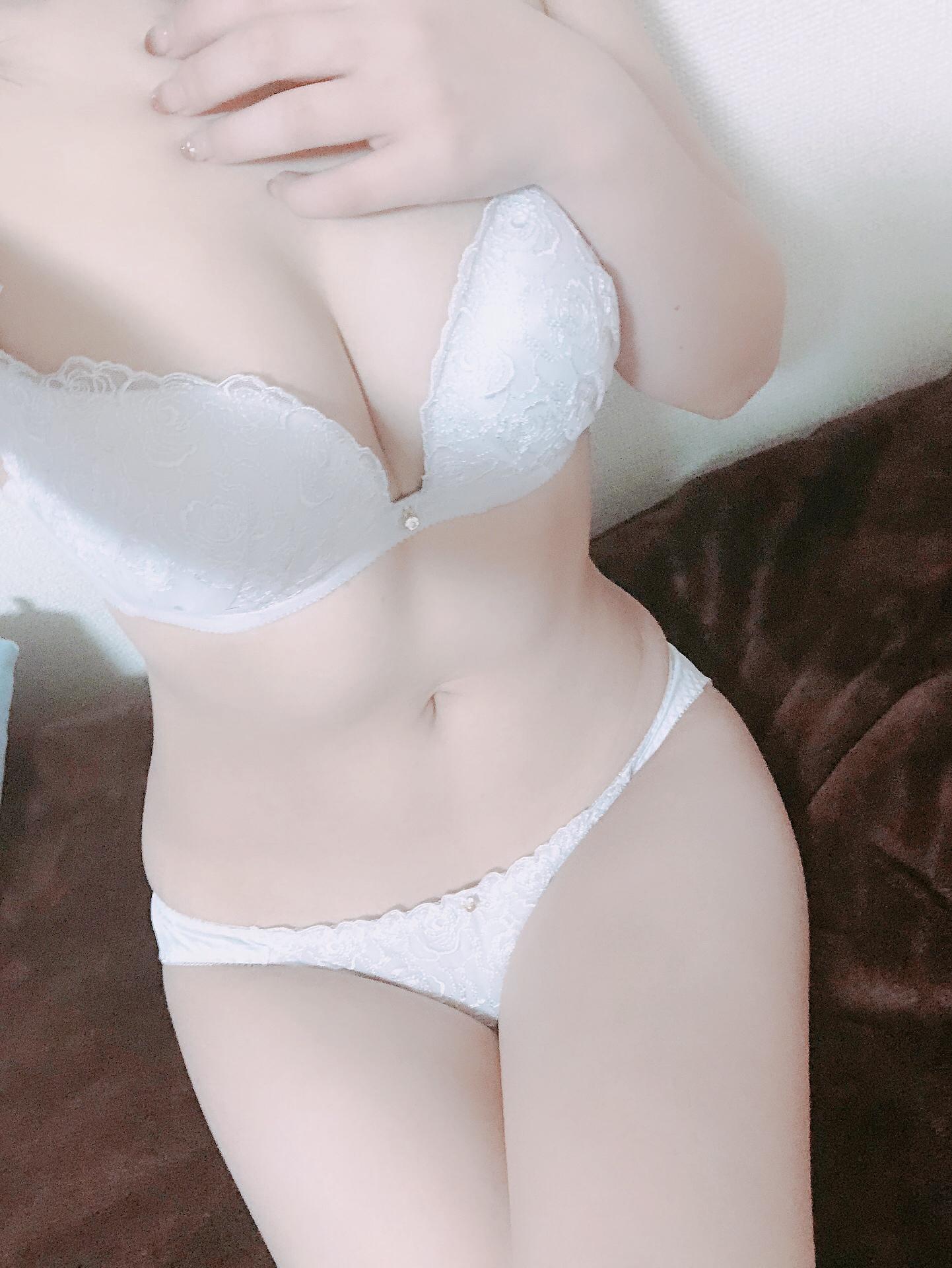 「出勤しました〜♡」10/23(10/23) 20:26 | はるの写メ・風俗動画