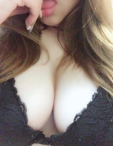 「こんばんわ」11/08(11/08) 20:20 | りあ◆可愛い系&巨乳の写メ・風俗動画
