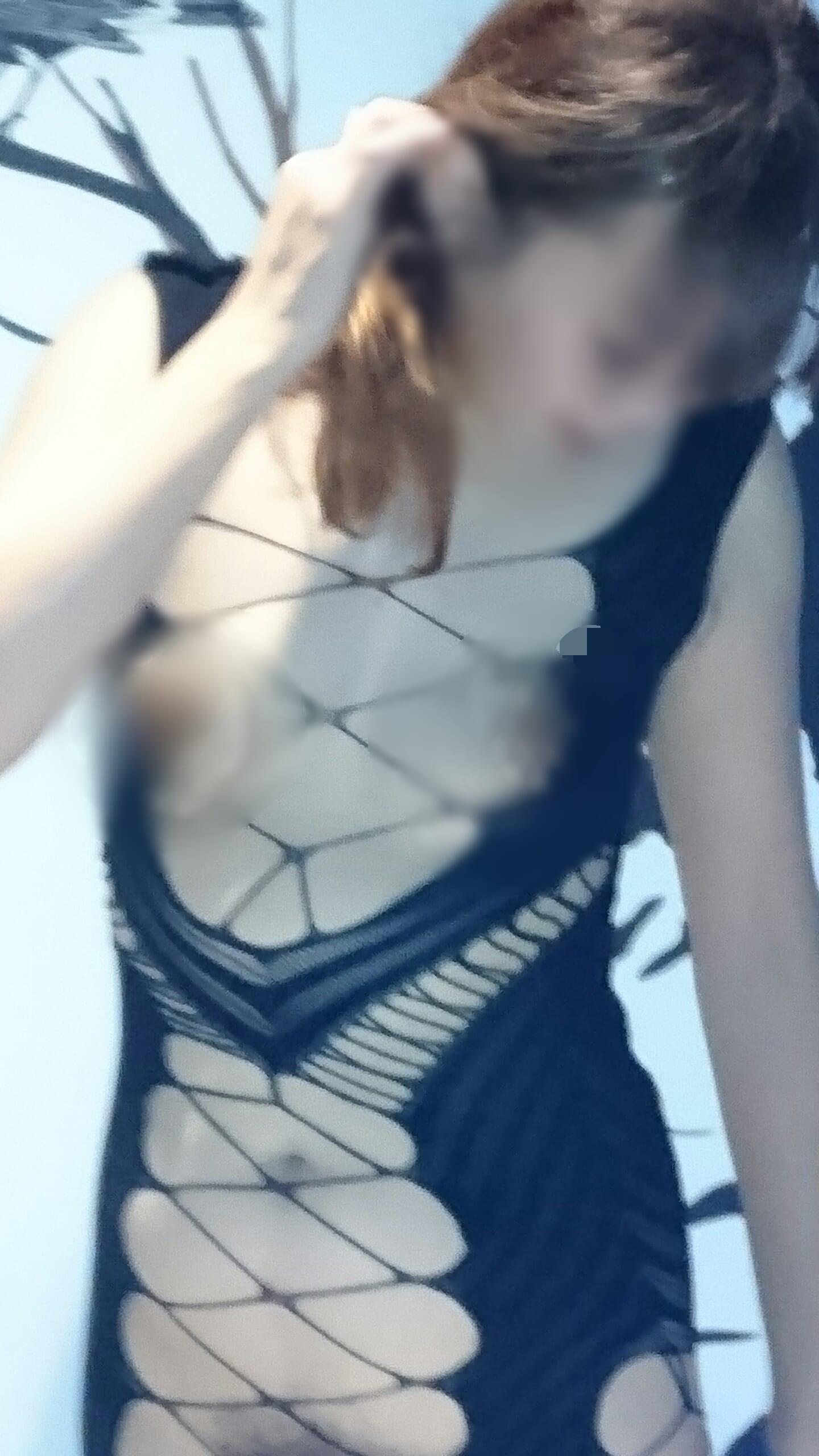 「こんばんは」11/28(11/28) 21:24 | しずかの写メ・風俗動画