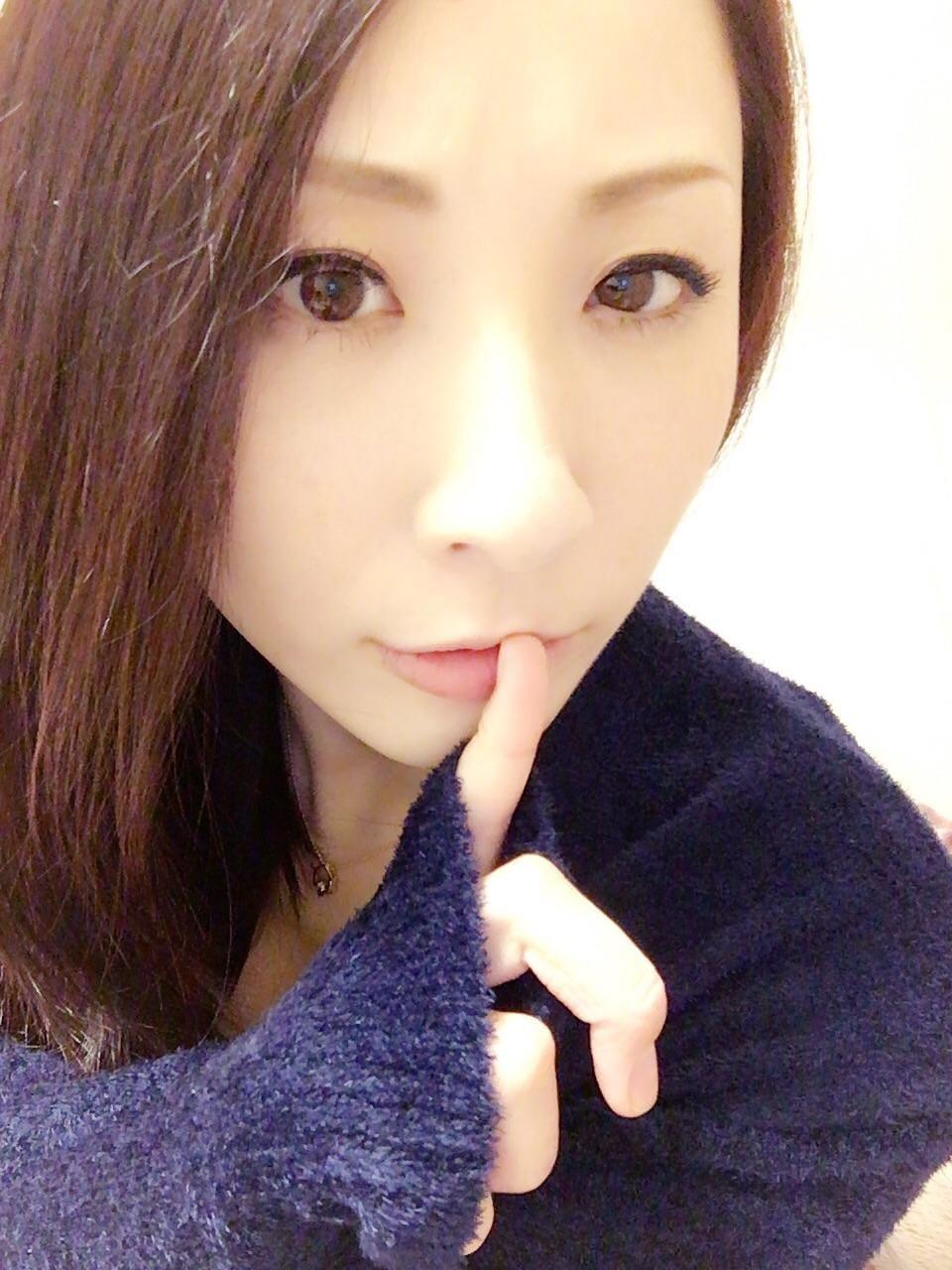 「お題:エロ悲しい話をお願いします!に回答♪」12/12(12/12) 12:30   えみりの写メ・風俗動画
