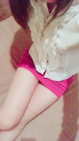 「赤のスカート」12/13(12/13) 20:22 | まりな【エロと癒しの融合】 の写メ・風俗動画