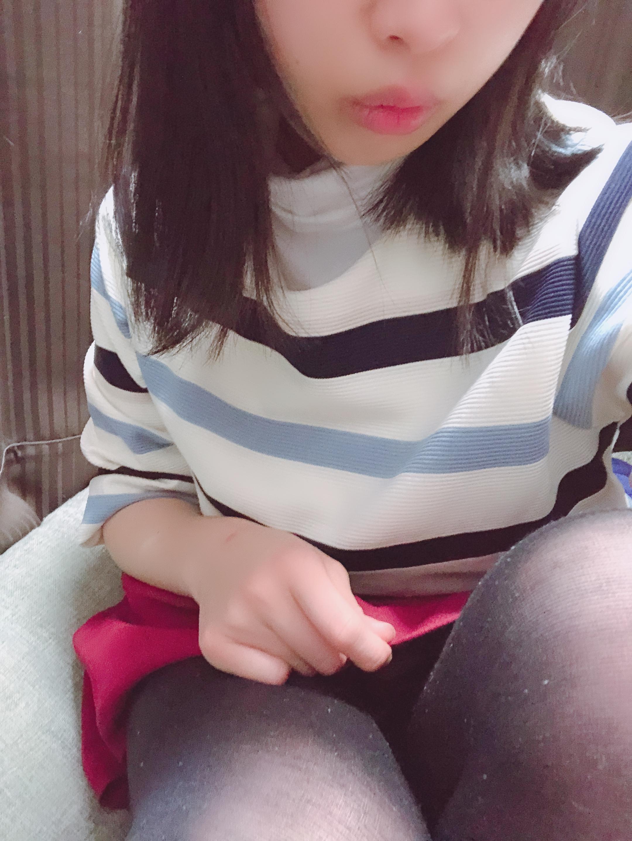 「ちょっと暑い...?」04/19(04/19) 21:09 | つくし【池袋店】の写メ・風俗動画