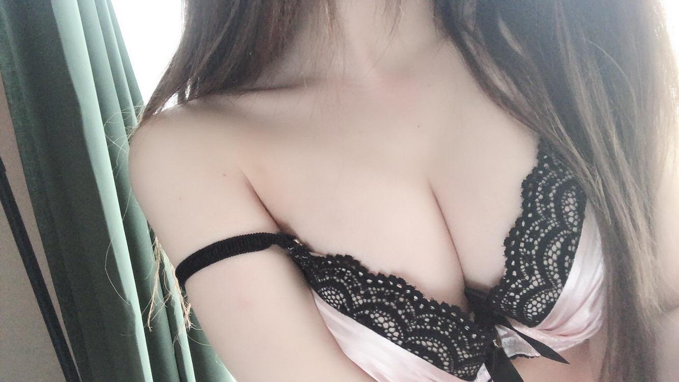 「」12/04(12/04) 13:07   りぜ 未開拓ゾーン!!の写メ・風俗動画