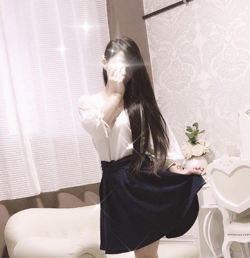 「こんにちわ◡̈*♡」12/13(12/13) 16:21 | 杏(あん)の写メ・風俗動画