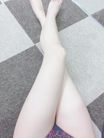 「出勤予定」03/06(03/06) 18:09 | ーツバサー新人の写メ・風俗動画
