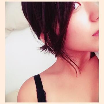 「こんばんわ!」09/24(09/24) 21:58 | かれん 純白な瞳に一目惚れの写メ・風俗動画