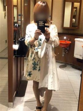 初音★体験入店|艶ドレスで評判の女の子