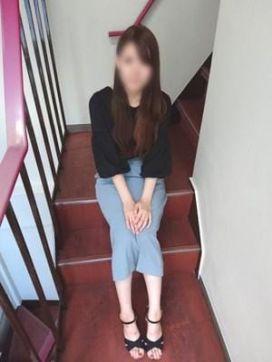レナ|HAND MAID(ハンドメイド) 梅田店で評判の女の子