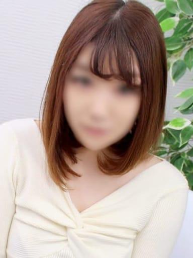 まな【色白可愛い系】
