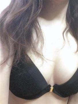シオン|エロリアルで評判の女の子